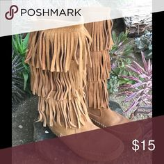 Size 7.5 Lauren Conrad moccasin fringe boots Cute for that boho girl. In great condition 7.5. All fringe is intact and there are no stains LC Lauren Conrad Shoes Moccasins