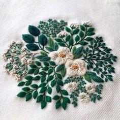 Green and white little garden cotton & wool thread ✂︎ ・ ・ ・ Linen ✂︎ #checkandstripe #dsfloral #wildflowers