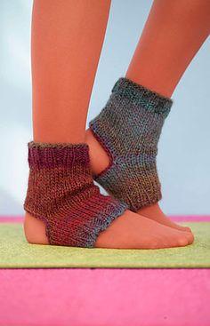 Free Yoga Sock Pattern Knit : 1000+ images about Socks ~ knit/crochet on Pinterest Yoga socks, Sock and K...