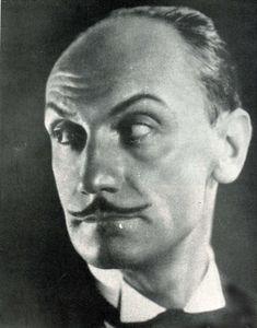 Anton Giulio Bragaglia (* 11. Februar 1890 in Frosinone; † 15. Juli 1960 in Rom) war ein italienischer Künstler des Futurismus, der sich vor allem den Bereichen Fotografie, Film und Bühnenbild widmete Anton, Retro Futurism, Photographers, Movie, Rome