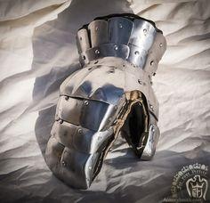 visby gloves  gountlet armorysmith interpretation for hmb or buhurt Medieval armor
