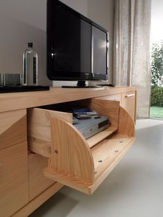 RIVA 1920 | Products | Sideboards | Michelangelo