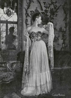 Couture Allure Vintage Fashion: Jean Patou - 1947