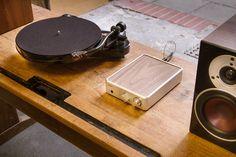PS Audio Sprout, Pro-Ject RPM 1 Carbon und Dali Zensor 1 Nahaufnahme