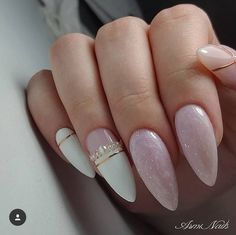 Semi-permanent varnish, false nails, patches: which manicure to choose? - My Nails Bride Nails, Wedding Nails, Nail Polish, Gel Nails, Coffin Nails, Cute Nails, Pretty Nails, Nails Factory, White Nail Art