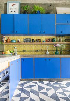 Rustic Kitchen, Kitchen Decor, Kitchen Design, Glamour Living Room, Plywood Kitchen, Turquoise Kitchen, Kitchen Colors, Kitchen Interior, Cool Kitchens