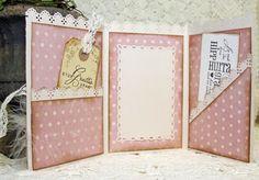 http://anneliscrapkort.blogspot.se/  jolie carte par 3 pliages tout simple