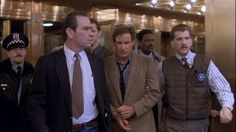 """Tommy Lee Jones and Harrison Ford in """"The Fugitive"""" (1993) Tommy Lee Jones - Best Supporting Actor Oscar 1993"""