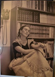 """Ecos de tinta y papel 21 julio 2015. Una recopilación de cartas escritas por Frida Kahlo a amigos cercanos, que revelan un lado más de la artista mexicana, podrán verse en la exposición """"Ecos de tinta y papel. De la intimidad de Frida Kahlo"""", que se inaugurará el miércoles 22 de julio, en el Museo Casa Estudio Diego Rivera y Frida Kahlo. José Juan Reyes."""
