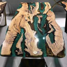 Epoxy dinner table. #epoxy #woodtable #epoxytable #diy #wood #diykitchentable Diy Resin Table, Epoxy Table Top, Epoxy Wood Table, Wooden Tables, Diy Resin Furniture, Furniture Dolly, Furniture Ideas, Furniture Design, Bancada Epoxy