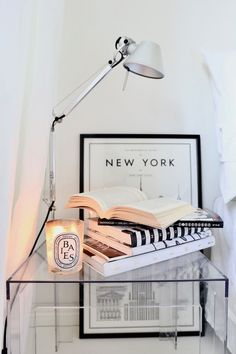 Homevialaura | nightstand | Artemide Tolomeo | Kartell Jolly | diptyque | readning | white bedroom