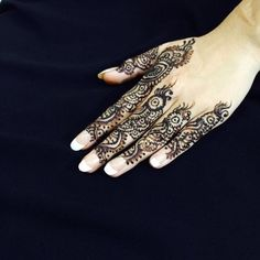 39 Brilliant Mehndi Designs for Fingers That You Can Get For a Simple Look - Mehndi YoYo Mehndi Designs For Fingers, Hand Henna, Hand Tattoos, Design Inspiration, Indian, Simple, Clothes, Art, Outfits