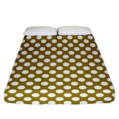 Gold polka dots patterm, retro style dotted pattern, classic white circles Fitted Sheet (Queen Size) Gold Polka Dots, Bed Sizes, Classic White, Queen Size, Retro Style, Creative Design, Circles, Retro Fashion, Duvet Covers
