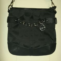 Amazingly besutiful coach MAKE OFFER No flaws it's very cute clean and authentic! Coach Bags