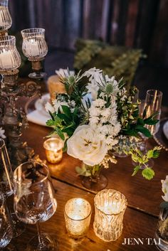 Florals by #BellaRugosa photo by Jenn Tai #idosodo Event by Chambers & Co #tablescape