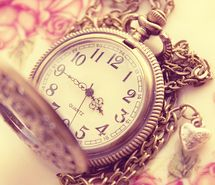 Inspiring picture beautiful, clock, colors, fake, gold. Resolution: 500x416 px. Find the picture to your taste!