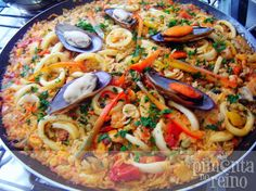 Seafood Pasta, Fish And Seafood, Seafood Recipes, Cooking Recipes, Paella Recipe, Spanish Food, Spanish Recipes, Portuguese Recipes, Summer Recipes