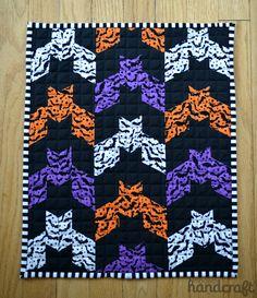 Barn Bat Mini-Quilt - pattern from Oh Fransson Blog.  www.modernhandcraft.com #miniquilt #halloween #bats