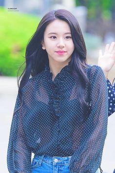 Chaeyoung Twice Chaeyoung Nayeon, Kpop Girl Groups, Korean Girl Groups, Kpop Girls, Chaeyoung Twice, Twice Kpop, Dahyun, South Korean Girls, Asian Beauty