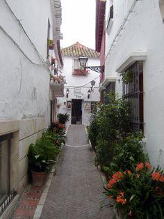 street in Marbella Casco Antiguo © Robert Bovington  http://bobbovington.blogspot.com.es/2011/12/marbella.html