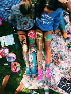 Pin by 🅜 🅘 🅡 🅘 🅐 🅜 ⋆ on ↠ b e s t f r i e n d s leg art, bff Photos Bff, Best Friend Photos, Best Friend Goals, Bff Pics, Cute Friend Pictures, Cute Pictures, Leg Pictures, Vintage Pictures, Shooting Photo Amis