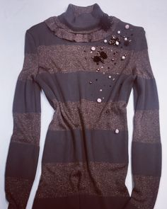 Stripped sweater @ymociondesign Sweaters, Fashion Design, Sweater, Sweatshirts, Pullover Sweaters, Pullover, Shirts