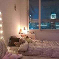 20 spectacular small bedroom design ideas for cozy sleep 19 Dream Rooms, Dream Bedroom, Small Bedroom Designs, Pretty Room, Aesthetic Room Decor, Cozy Room, My New Room, House Rooms, Room Interior