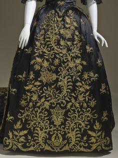 fashionsfromhistory:  Up Close: Court Dress c.1845 Portugal (X)