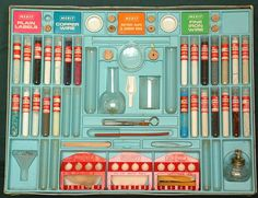 Chemistry sets with REAL chemicals.family friend had a set, remember I got spanked for accidentially loosingband breaking a beaker and then trying to hide the fact My Childhood Memories, Childhood Toys, 1970s Childhood, School Memories, Retro Toys, Vintage Toys, 1960s Toys, 1980s, Retro 2