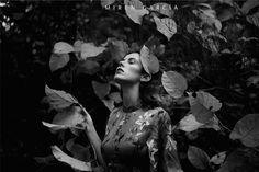 Mujer en blanco y negro.  black and White, woman portrait  Fotografía de Miren García (fotógrafa especializada en mujeres de Santurtzi, Vizcaya)