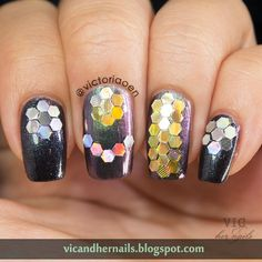 Vic and Her Nails: The Digital Dozen Does Metal - Day 4: Gold and Silver