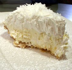 Coconut Banana Cream Pie Heads up coconut lovers, this pie is amazing, totally decadent, and the coconut crust is absolutely awesome. The crust takes it from ordinary to sublime. This is supposedly the recipe for Lawry's Coconut Banana Cream pie. Banana Cream Pies, Banana Pie, Pie Dessert, Dessert Recipes, Pie Recipes, Chicken Recipes, Yummy Recipes, Recipies, Dinner Dessert