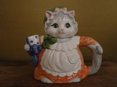 Vintage Kitty Cat Decorative Teapot by Heritage by KittiesandMutts, $18.00