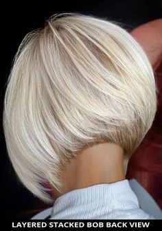 For your next hair appointment, ask for this enticing layered stacked bob back view if you need a fresh style! And... check out all of these 28 most flattering stacked bob haircuts (trending right now). // Photo Credit: @emerson_ferrazoficial on Instagram Stacked Bob Hairstyles, Bob Hairstyles With Bangs, Latest Hairstyles, Bob Haircuts, Line Bob Haircut, Bob Haircut With Bangs, Medium Hair Styles, Short Hair Styles, Short Hair Back