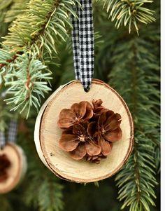 Christmas Village Display, Christmas Gift Baskets, Handmade Christmas Decorations, Diy Christmas Ornaments, Diy Christmas Gifts, Christmas Wreaths, Pinecone Ornaments, Pinecone Decor, Boyfriend Christmas Gift