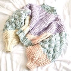 Knitting Designs, Knitting Patterns, Knitting Yarn, Custom Clothes, Diy Clothes, Chunky Knitwear, Knitwear Fashion, Knitting For Beginners, Sweater Weather