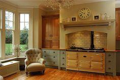 So elegant - and that AGA cooker! Kitchen Tiles, Kitchen Design, Aga Stove, English Country Kitchens, Aga Cooker, Kitchen Colour Schemes, Home Garden Design, Low Cabinet, Functional Kitchen