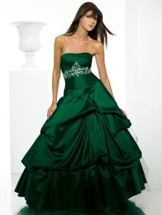 I'm a sucker for green. Although, this looks a tad bridesmaid-ish. Still really beautiful.