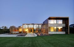 Sams Creek was completed by the New York based studio Bates Masi Architects. This sophisticated 6,500 square foot contemporary residence is located in Bridgehampton, New York, USA.                  ..