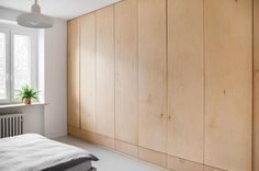 Find home projects from professionals for ideas & inspiration. KOSZUTKA by Joanna Kubieniec Bedroom Loft, Home Bedroom, Dressing Design, Plywood Storage, Plywood Interior, Closet Layout, Bedroom Cupboards, Bedroom Photos, Minimalist Bedroom