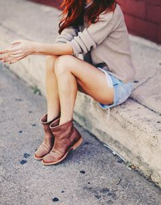 Love these ankle boots paired with shorts and a sweater. Perfect early fall attire when it's in between seasons.