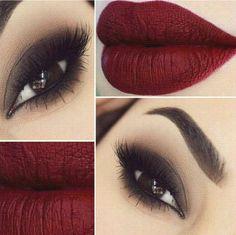 Look de noche. Combina un rojo oscuro mate y un sensual smokey eye.