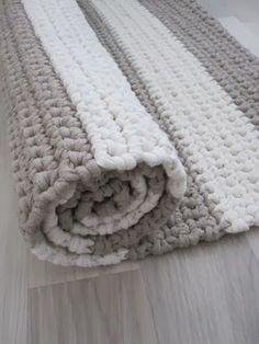 Cheap Non Slip Carpet Runners Crochet Mat, Crochet Rug Patterns, Crochet Carpet, Crochet Home, Crochet Granny, Crochet Stitches, Weaving Textiles, Beige Carpet, Rugs On Carpet
