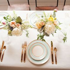 Gold table setting ideas we love (thanks to Yan Photo and The Sweetest Occasion!)