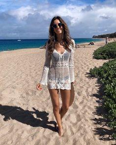19 Beautiful Outfits With Swimwear Cover - Diy Crafts - DIY & Crafts Crochet Beach Dress, Crochet Tunic, Crochet Clothes, Knitted Swimsuit, Crochet Bikini, Mode Outfits, Fall Outfits, Mode Crochet, Crochet Cover Up