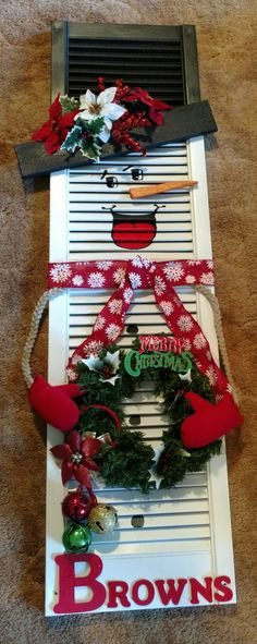 New Craft Christmas Wood Snowman Ideas Christmas Yard, Christmas Signs, Outdoor Christmas, Christmas Snowman, Rustic Christmas, Christmas Projects, Christmas Holidays, Christmas Wreaths, Christmas Ornaments