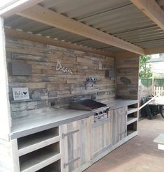 Outdoor Kitchen Made From Repurposed Pallets • Recycled Ideas • Recyclart Outdoor Kitchen Made From Repurposed Pallets • Recycled Ideas • ...