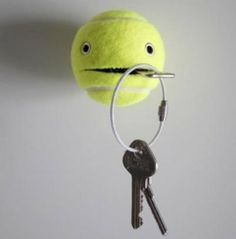 awesome key holder from a regular tennis ball