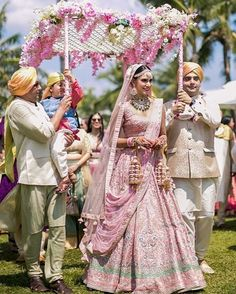 Some of the best and most quirky bride entry ideas for their wedding, so that they can rock n roll in the best possible way, amazing bridal entry ideas Indian Bridal Outfits, Bridal Dresses, Indian Dresses, Bridal Bouquets, Bride Entry, Indian Wedding Decorations, Desi Wedding Decor, Indian Wedding Photography, Wedding Bride