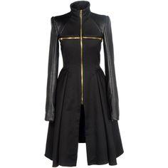 GARETH PUGH Coat ($1,048) ❤ liked on Polyvore featuring outerwear, coats, jackets, dresses, coats & jackets, women, pleated coat, zip coat and gareth pugh